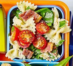 An easy pasta salad that makes a tasty addition to any lunchbox. Ideal for kids aged 9 - it also makes up 2 of their (Healthy Pasta Recipes For Kids) Pasta Salad For Kids, Salads For Kids, Blt Pasta Salads, Easy Pasta Salad, Pasta Salad Recipes, Healthy Salad Recipes, Packed Lunch Ideas For Kids, Lunch Ideas Work, Bacon Pasta