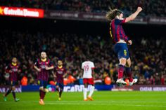 Carles Puyol celebra su gol, que era el tercero del Barça. El partido número 392 de Liga para Puyol, superando de este forma a otro de los g...