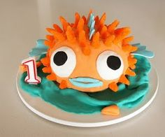 Mallory loves Pufferfish, i have to figure out how to do this on a cupcake for her party.....