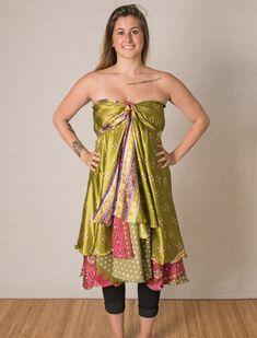 How to Tie a Magic Wrap Skirt - Mexicali Blues Diy Dress, Dress Skirt, Wrap Dress, Sarong Dress, Hippie Skirts, Infinity Dress, Fashion Forever, Sari Silk, Silk Skirt