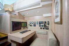 Oyster Yachts | Fleet | 885 | Gallery