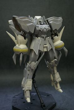 """Scratch-built YMT-132 Rozen Zulu by """"桜井信之"""" (Nobuyuki Sakurai) featured in Dengeki Hobby-ish Magazine - Aug. 2009-ish. I might ask a fellow 3D artist friend to replicate it in CG and for me to convert it (or """"unfold"""") into a card / paper model next year aside from the YAMS-130B Griefer. #Gundam #GunPla #ScratchbuiltModel"""