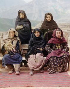 """Russia in color, a century ago"" A group of women in Dagestan, 1910"