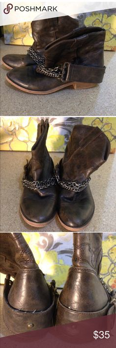 """CANDIE'S - Brown Cowgirl Western Ankle Boots Candie's Boots  Size: 7M Descriptions: Brown """"leather"""" booties. Western/cowgirl style. Round toe. Silver chains across front. Slip on. 1.5"""" heel. Rubber sole. Man Made materials. Condition: Excellent Used condition. Extremely minor wear to soles. Inventory Reference: #S181 Candie's Shoes Ankle Boots & Booties"""