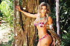 Nagila Coelho conquista com moda praia