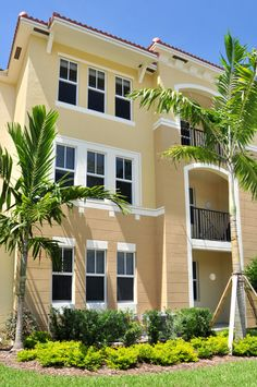#SingleHung windows are a great option to protect your house from a  # Hurricane or #Storm. See more details @ http://www.prostormprotection.com/single-hung-window #StromProtectionWindows