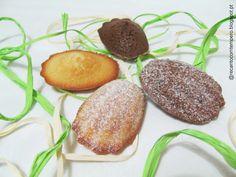 Madalenas brancas de baunilha e de chocolate
