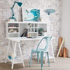 Inspiration idée déco chambre fille coin bureau treteau design moderne blanc décoration chambre surf chaise indus bleu claire mur en bric chambre ado adolescent bleu et blanche