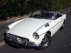 1971 MGB Roadster, I think I love it! Google Image Result for http://www.mgb-restoration.com/White-MGB-Roadster-for-sale/White-MGB-Roadster-2.jpg
