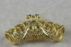 Fornitura - Entrepieza pasador labrado de 3,5x2 cm..chapado en oro mate de 22k para usar en joyería y alta bisuteria.