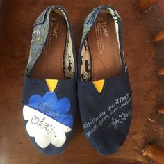 The Fault in our Stars Toms!! Tfios// size 7.5w// true to size// so confortable!// authentic toms// hand painted// used but good condition// any questions, feel free to ask! TOMS Shoes Flats & Loafers