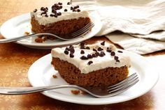 A simple to make, moist and delicious paleo and gluten-free cake with a light and creamy cinnamon-vanilla frosting. Not overly sweet, with rich and robust spicy pumpkin taste using real pumpkin.