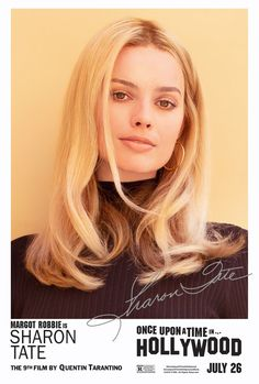 See Leonardo DiCaprio, Luke Perry and Brad Pitt's Timeless Once Upon a Time in Hollywood Headshots Best Picture For entertaintment ideas For Your Taste You are looking for something, and … Cabelo Margot Robbie, Margot Elise Robbie, Margo Robbie, Margot Robbie Poster, Margot Robbie Movies, Quentin Tarantino, Tarantino Films, Sharon Tate, Brad Pitt