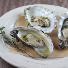 Grilled Oysters with Jalapeño Thyme Sake Brown Butter Oyster Recipes, Crab Recipes, Salmon Recipes, Finger Food Appetizers, Finger Foods, Appetizer Recipes, Grilled Oysters, Brown Butter, Seafood Dishes