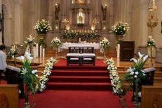 Resultado de imagen para arreglos florales para iglesia