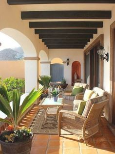 Spanish Style Homes, Spanish House, Home Design Plans, Home Interior Design, Mexico House, Hacienda Style, Mediterranean Home Decor, Inspired Homes, Villa