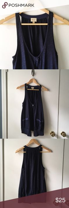 Ella Moss Single Button Vest Perfect to layer over any t-shirt or tunic style dress. In excellent condition. Navy color, single button, two pocket front.   🚫 No Trades/🅿️🅿️ ✨ 100% Authentic 💵 Offers Welcome 💰 Bundle Discount 📬 Ships in 1-2 Days Ella Moss Jackets & Coats Vests