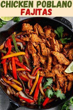 Spicy Chicken Fajita Recipe, Quick Chicken Marinade, Best Chicken Recipes, Marinated Chicken, Beef Recipes, Cooking Recipes, Skillet Fajitas, Easy Chicken Fajitas, Kitchens