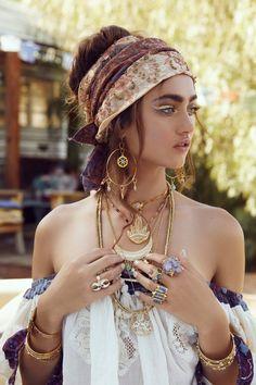Boho Gypsy, Gypsy Style, Hippie Boho, Gypsy Hair, Boho Chic Style, Boho Girl, Adrette Outfits, Hippie Outfits, Fashion Outfits
