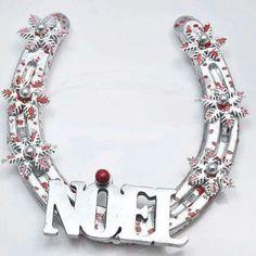 Cute Christmas horseshoe idea