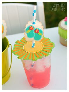 Drink cover and straw slider - cute flipflops