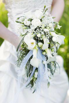 brautstrauß grün green bouquet flowers bride wedding hochzeit braut blumen