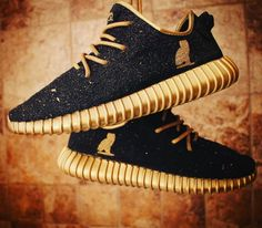 """The 50 Best adidas Yeezy 350 Boost Customs - """"OVO"""" by Hippie Neal Streetwear, Fashion Boots, Sneakers Fashion, Adidas Originals, Baskets, Adidas Shoes Outlet, Hype Shoes, Dream Shoes, Mode Style"""