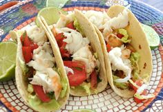 Fresh lobster tacos with extra avocado cream on the side for dipping – a great way to impress your next dinner guests Lobster Recipes, Seafood Recipes, Mexican Food Recipes, Cooking Recipes, Healthy Recipes, Ethnic Recipes, Mexican Meals, Lobster Tacos, Lobster Rolls