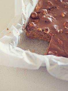 Grandma's yummy no-bake chocolate slice (Fat Mum Slim) Milk Recipes, Baking Recipes, Sweet Recipes, Cake Recipes, Dessert Recipes, Chocolate Slice, Chocolate Recipes, Chocolate Cakes, Chocolate Squares