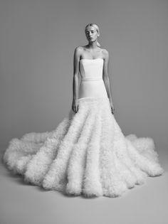 Viktor & Rolf criam vestidos estruturados e precisos para noivas modernas - Vogue   Desfiles