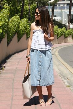 falda-midi-vaquera-sandalias-look-1