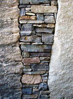 Marc Archambault, stone mason Dry Stone, Brick And Stone, Stone Work, Stone Walls, Stone Landscaping, Landscaping Retaining Walls, Backyard Landscaping, Stone Retaining Wall, Cement Walls