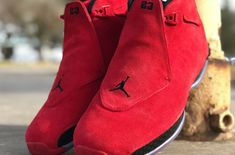 \ We have last seen the return of the Air Jordan 18 Sport Royal back in January. Now, the Jordan Brand is set to release a new Air Jordan 18 in the classic Toro colorway: the Air Jordan 18 Toro Red. Air Jordan Sneakers, Red Sneakers, Nike Air Jordans, Sneakers Fashion, Sneakers Nike, Jordan Basketball Shoes, Jordan Swag, Kicks Shoes, Adidas Shoes