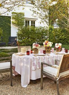 Garden patio dining table setting with fresh flowers and tablecloth on Thou Swell #patio #garden #gravelpatio #gardenparty #tablesetting #entertaining Outdoor Table Settings, Outdoor Tables, Outdoor Seating, Outdoor Dining, Outdoor Spaces, Patio Dining, Dining Table, Dining Room, Deck Patio