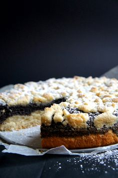German Poppyseed Crumble Cake, need to eat this in a cafe in Nurnberg's Hauptmarkt viewing the beautiful fountain sipping German coffee, i....mmmm delectable:-)