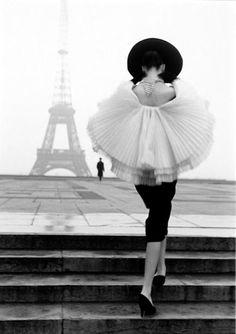 Photo by Walde Huth (Paris, 1950s)