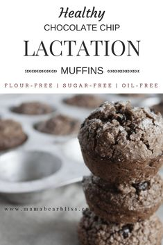 Healthy recipe for chocolate chip lactation muffins for the mama wanting to increase her breastmilk supply. The main ingredient in this lactation recipe is oat flour, almond milk, mashed bananas, and honey. The taste is amazing! Healthy Chocolate, Chocolate Recipes, Chocolate Chips, Cake Courgette, Breastfeeding Foods, Pregnancy Foods, Breastfeeding Support, Pregnancy Nutrition, Pregnancy Health