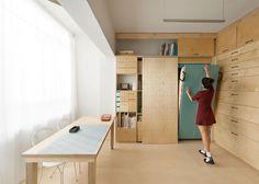 Artist studio storage artist furniture studio collect this idea design space saving studio art studio storage Micro Apartment, Tiny Apartments, Studio Apartment, Apartment Design, Small Space Living, Small Spaces, Small Room Design, Space Saving, Storage Spaces