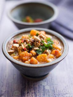 Chunky Squash & Chickpea Soup: Buttered squash seeds taste great toasted. To prepare your squash, peel it with a potato peeler, chop in half and then scoop out the seeds.