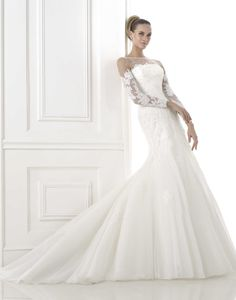 LOOKandLOVEwithLOLO: PRONOVIAS 2015 Glamour Bridal. Collection Something about sleeves, gets me everytime