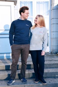 Collection Capsule N°5 Les Comptoirs d'Orta /  www.lescomptoirsdorta.com / Sweat marine La Parisien & Sweat gris La Parisienne #lescomptoirsdorta #sweat #pull #navy #marine #grey #gris #paris #parisienne #parisien #parisian #fashion #tendance #couple #love