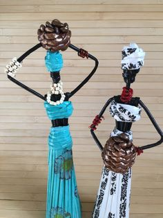 African art amulet for home wealth symbol Exotic souvenir African Crafts, African Art, Paper Quilling Tutorial, Paper Dolls, Wealth, Scare Crow, Journal, Diy And Crafts, Wire Sculptures