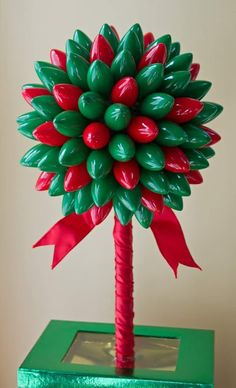 These DIY Holiday Decorations are super cute and so easy to make! They make great Christmas projects for kids and this easy holiday decor will create a festive and cheerful home to celebrate the holiday! Primitive Christmas, Noel Christmas, Winter Christmas, Christmas Lights, Christmas Wreaths, Christmas Topiary, Crochet Christmas, Holiday Lights, Christmas Ornaments