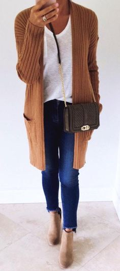 Cardigans for women – Lady Dress Designs Summer Fashion Outfits, Work Fashion, Fall Outfits, Casual Outfits, Fashion Design, Free Spirit Clothing, Floral Jeans, Winter Trends, Cardigans For Women