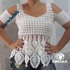 Shell and Open Shoulder Crochet Top - Salvabrani - Salvabrani Crochet Hood, Bonnet Crochet, Crochet Tunic, Crochet Clothes, Crochet Baby, Crochet Stitches, Crochet Patterns, Crochet Woman, Learn To Crochet
