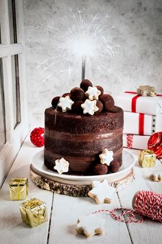 Bizcocho chocolate shared by María José on We Heart It Delicious Cake Recipes, Yummy Cakes, Sweet Recipes, Dessert Recipes, Chocolate Naked Cake, Chocolate Desserts, Chocolate Christmas Cake, Dessert Party, Cupcakes