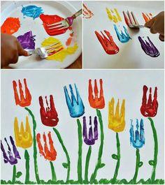 Kids painting with forks. #fiori colorati fatti con forchette di plastica!!