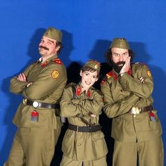 Stranger Things Behind the Scenes Season 3 with David Harbor, Winona Ryder and Brett Gelman, Chief Hopper Joyce Byers, Murray Bauman, Russian Uniforms Stranger Things Netflix, Stranger Things Actors, Stranger Things Aesthetic, Stranger Things Season 3, Stranger Things Funny, Joyce Stranger Things, Kpop Memes, Don T Lie, Winona Ryder