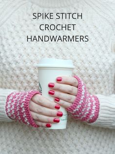 Spike-Stitch Crochet Handwarmers - free pattern @ Claireabellemakes