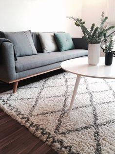 Johan als 3 Sitzer fügt sich ganz toll bei @camillaarresoe ein    #sofacompany #sofacompany_de #danishdesign #furniture #scandinaviandesign #interiordesign #furnituredesign #nordicinspiration #retrostyle